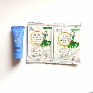 Biore - 洗顔専科 パーフェクトホイップu&ビオレ メイクの上からリフレッシュシート