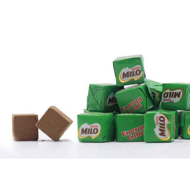 Nestle(ネスレ)のネスレ ミロ エネルギーキューブ 50粒 日本未発売 大人気 食品/飲料/酒の食品(菓子/デザート)の商品写真
