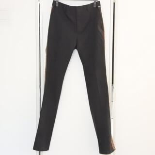 フェンディ(FENDI)のフェンディ パンツ サイドライン ズッカ柄 ブラック 46 メンズ スラックス(スラックス)