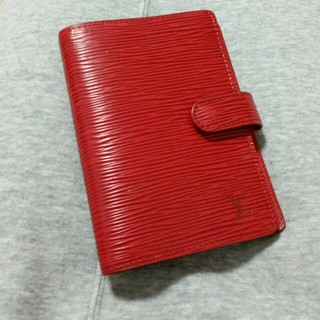 ルイヴィトン(LOUIS VUITTON)の【美品】ルイヴィトン 手帳カバー(日用品/生活雑貨)