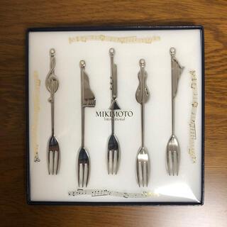 ミキモト(MIKIMOTO)のミキモト 真珠の小粒付 楽器フォーク 5本セット(食器)
