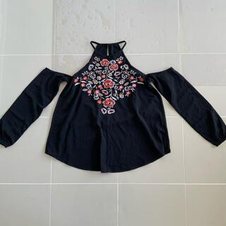 アバクロンビーアンドフィッチ(Abercrombie&Fitch)のオープンショルダー トップス 黒(Tシャツ(長袖/七分))
