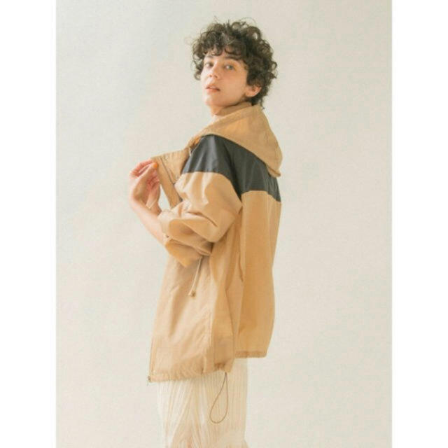 emmi atelier(エミアトリエ)のemmi カラーブロックブルゾン レディースのジャケット/アウター(ナイロンジャケット)の商品写真