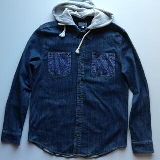チチカカ(titicaca)のチチカカ/フード付デニムシャツ/ネイチャー柄/美USED(シャツ)