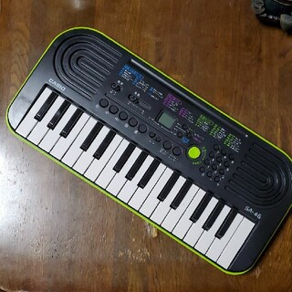 CASIO - 中古『CASIO・ミニキーボード』黒×グリーン 32鍵盤 自動演奏付き