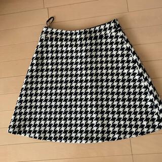 インディヴィ(INDIVI)のINDIVI 千鳥柄 スカート 新品(ひざ丈スカート)