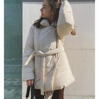 トゥデイフル(TODAYFUL)のrandeboo | Modern wrap down coat ivory(ダウンコート)