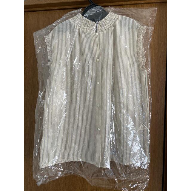 Adam et Rope'(アダムエロぺ)のADAM ET ROPE' シアサッカーノースリーブブラウス アダムエロペシャツ レディースのトップス(Tシャツ(半袖/袖なし))の商品写真