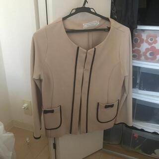 クチュールブローチ(Couture Brooch)のジャケット(ノーカラージャケット)