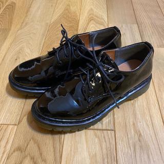 メルロー(merlot)のmerlot 厚底エナメルシューズ Msize(ローファー/革靴)