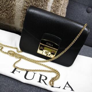 フルラ(Furla)のほぼ未使用☆フルラ チェーンバッグ メトロポリス 黒 チェーンショルダー バッグ(ショルダーバッグ)