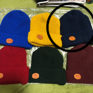 イルビゾンテ(IL BISONTE)のイルビゾンテ ニット帽 ネイビー  正規品 1点の価格 まとめ買い(ニット帽/ビーニー)