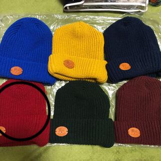 イルビゾンテ(IL BISONTE)のイルビゾンテ ニット帽 画像❷ 赤系 正規品 1点の価格 まとめ買い(ニット帽/ビーニー)