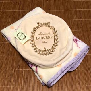 ラデュレ(LADUREE)の【未使用】LADUREE  ブランケット マカロン型ケース付(その他)