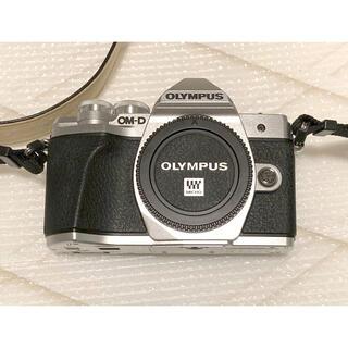 OLYMPUS - OLYMPUS OM-D10 MarkⅢ シルバー 本体