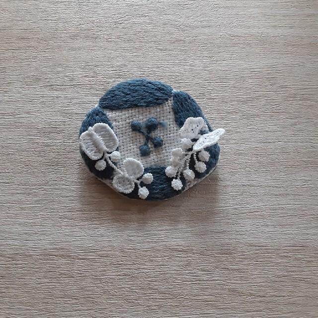 mina perhonen(ミナペルホネン)のミナペルホネンDearブローチ レディースのアクセサリー(ブローチ/コサージュ)の商品写真