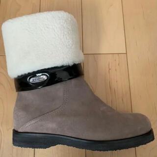 トゥモローランド(TOMORROWLAND)の美品⭐︎定価12万 イタリア製ハンドメイドムートンブーツ(ブーツ)