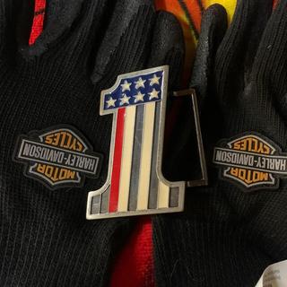 ハーレーダビッドソン(Harley Davidson)のハーレーバックル。No.1&手袋&ステッカー(ベルト)
