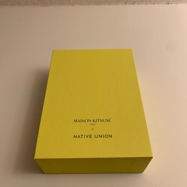 MAISON KITSUNE'(メゾンキツネ)の【新品未使用】メゾンキツネ Airpods Pro ケース メンズのメンズ その他(その他)の商品写真