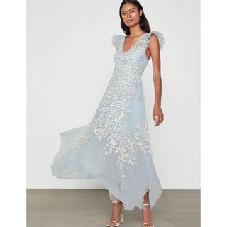 ビーシービージーマックスアズリア(BCBGMAXAZRIA)の❤️ BCBGMAXAZRIA2020秋新作新品 ブルー花柄ドレス ワンピース(ロングドレス)