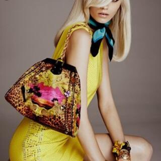 ジャンニヴェルサーチ(Gianni Versace)のh&m ヴェルサーチ Versace コラボ レア バッグ(ハンドバッグ)