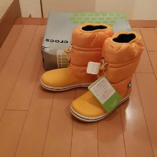クロックス(crocs)の新品未使用タグ付きクロックスcrocs黄色ウィンタースノーブーツw5 21センチ(ブーツ)