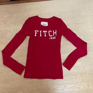 アバクロンビーアンドフィッチ(Abercrombie&Fitch)のアバクロンビー&フィッチ 赤ロゴ長袖Tシャツ(Tシャツ(長袖/七分))
