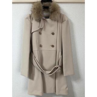 フレイアイディー(FRAY I.D)のFRAYI.D. ファー襟付きハーフコート(毛皮/ファーコート)