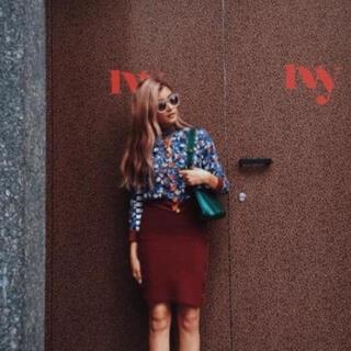 エムエスジイエム(MSGM)のほぼ未使用 ニットスカート ボルドー 赤 ローラ タイトスカート(ひざ丈スカート)