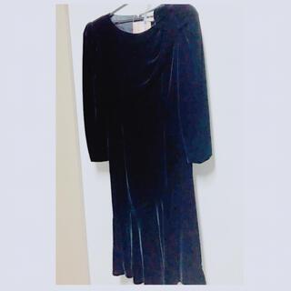 トーガ(TOGA)のベルベットドレス 濃紺(ミディアムドレス)