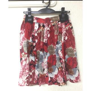 ルシェルブルー(LE CIEL BLEU)のmanielle 花柄スカート 赤(ミニスカート)