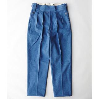コモリ(COMOLI)のNEAT  One Wash Denim Beltless light blue(デニム/ジーンズ)