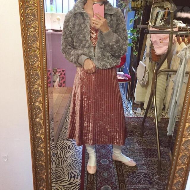 Lily Brown(リリーブラウン)のkitty  未使用 ベロアワンピース レディースのワンピース(ロングワンピース/マキシワンピース)の商品写真