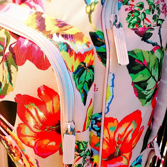 adidas(アディダス)のアディダス オリジナルス 花柄 リュック バッグパック ファーム コラボ 激レア レディースのバッグ(リュック/バックパック)の商品写真