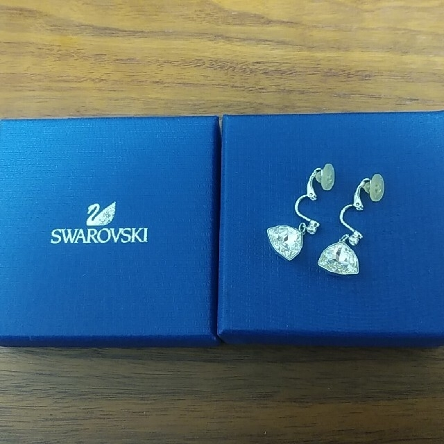SWAROVSKI(スワロフスキー)のSWAROVSKI レディースのアクセサリー(イヤリング)の商品写真