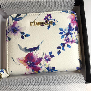 リエンダ(rienda)のrienda リエンダ 二つ折り財布 ホワイト 花柄(財布)