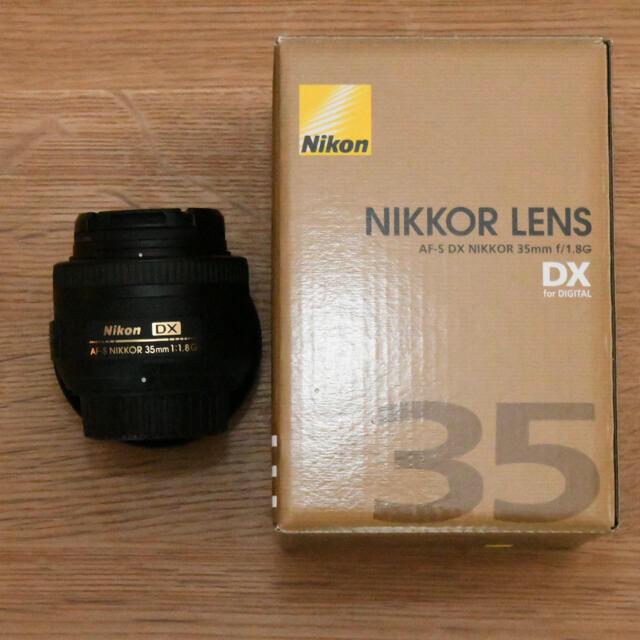 Nikon(ニコン)のAF-S DX NIKKOR 35mm f/1.8G スマホ/家電/カメラのカメラ(レンズ(単焦点))の商品写真