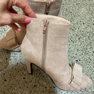 ランダ(RANDA)のRANDA ベージュ ショートブーツ Sサイズ(ブーツ)