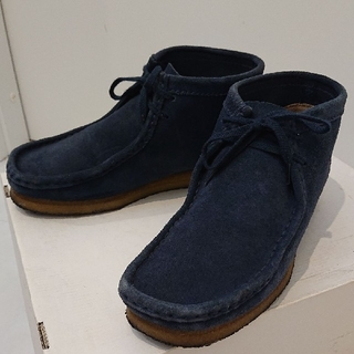 Clarks uniform experiment ワラビー クラークス