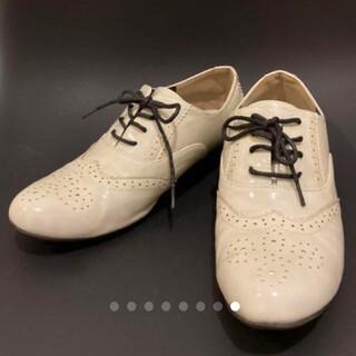 ケービーエフ(KBF)のKBF ウイングチップエナメル(ローファー/革靴)