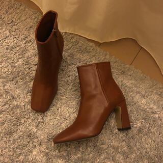 ユナイテッドアローズ(UNITED ARROWS)のブラウンショートブーツ(ブーツ)