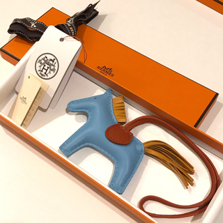Hermes - ✨未使用品✨エルメス ロデオ チャーム PM セレステ