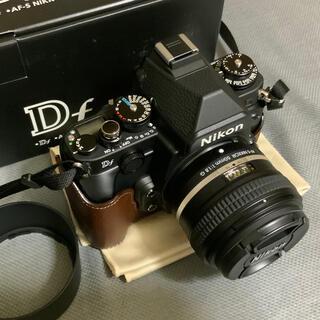 Nikon - 美品 Nikon Df ブラック レンズキット 、ボディケース他付属品多数付き。