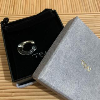 トーガ(TOGA)のTEN glass pool earcuff(イヤーカフ)