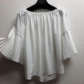 エニィスィス(anySiS)のanysis 袖プリーツブラウス新品(シャツ/ブラウス(半袖/袖なし))