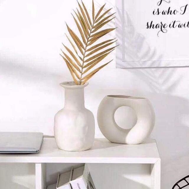 SALE 北欧風 ドーナツ型 花瓶 フラワーベース インテリア オブジェ 陶器 インテリア/住まい/日用品のインテリア小物(花瓶)の商品写真