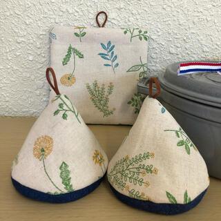 ストウブ(STAUB)のストウブ三角鍋つかみと鍋敷セット お花(収納/キッチン雑貨)