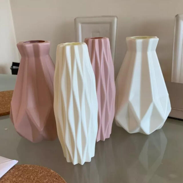 Francfranc(フランフラン)のラスト1点❗フラワーベース プラスチック 花瓶 ホワイト インテリア インテリア/住まい/日用品のインテリア小物(花瓶)の商品写真