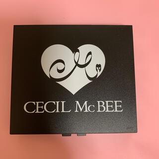 セシルマクビー(CECIL McBEE)のCECIL McBEE つけまケース ミラー付き 小物入れ(小物入れ)
