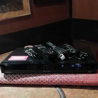 トウシバ(東芝)の東芝 REGZA  DBR-Z110 2番組W録画  純正リモコン等付フル装備(ブルーレイレコーダー)